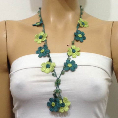Green Tied Necklace with semi-precious Jade Stones