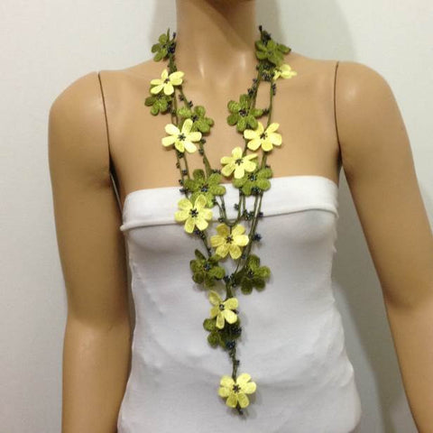 Green and light Lemon Yellow Crochet Necklace - Beaded lariat - Crochet oya lace Necklace