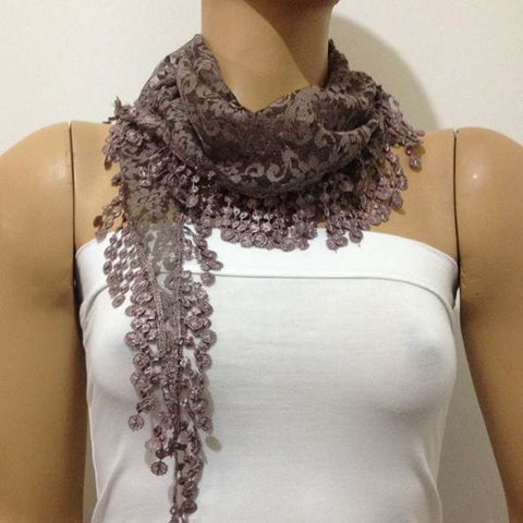 Lace scarf with lace fringe