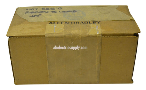 New Sealed Allen Bradley 8520-D25FS MTB PANEL RS232 CONNECTOR