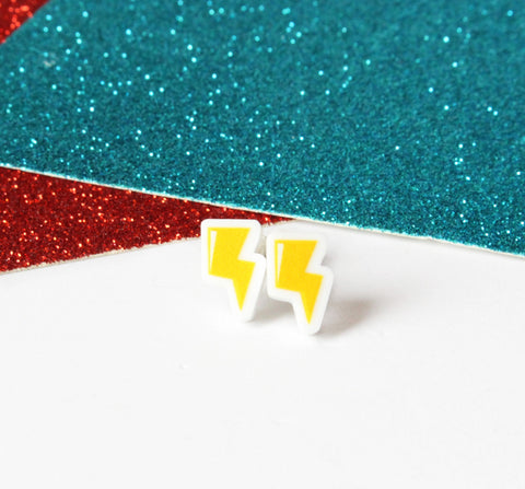 Lightening bolt earrings innabox