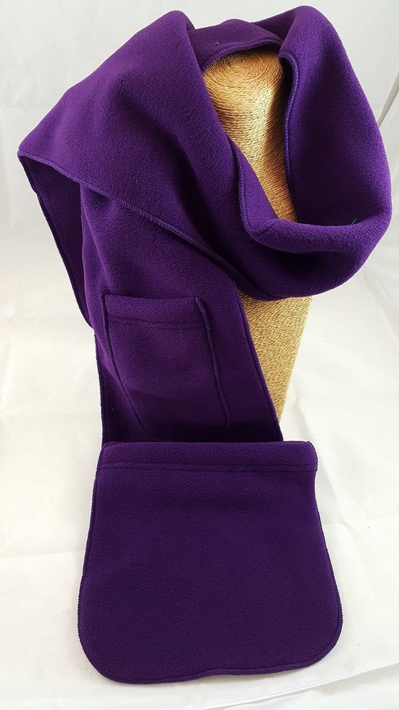 Fleece scarf with pockets
