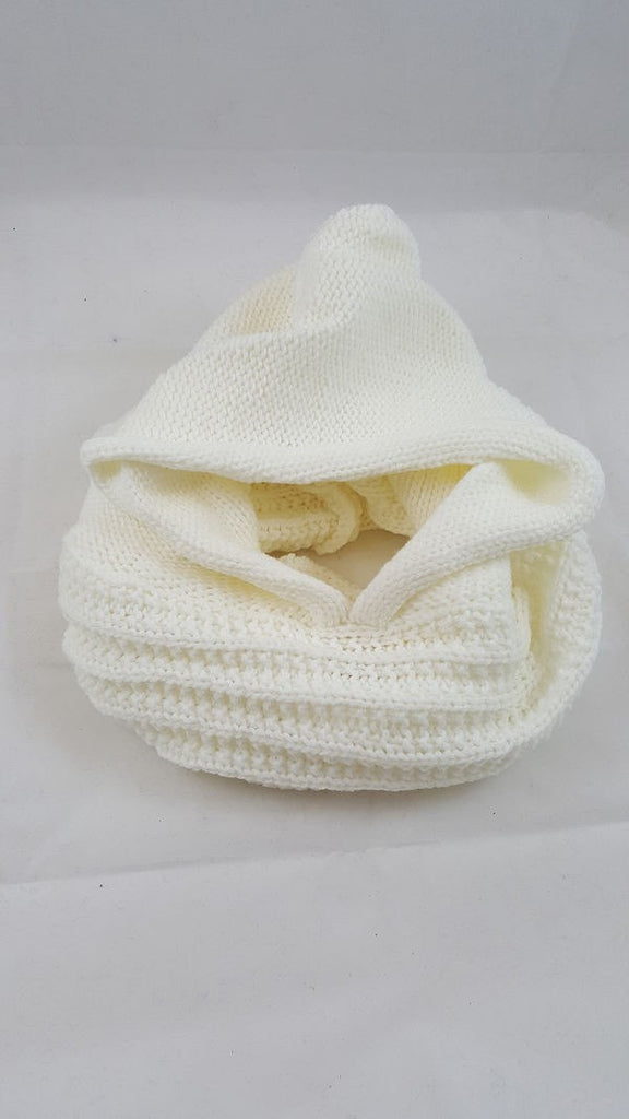 Hooded knit snood