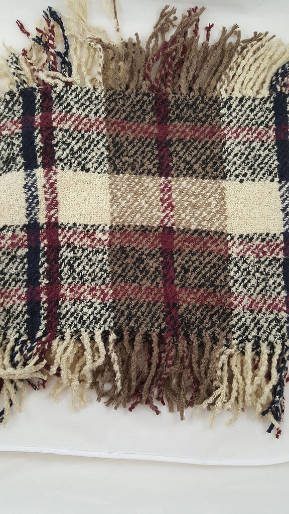 Plaid fringed infinity