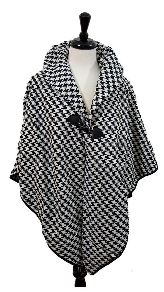 Patterned toggle poncho