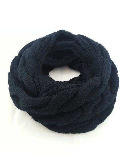 Black chunky cable knit infinity