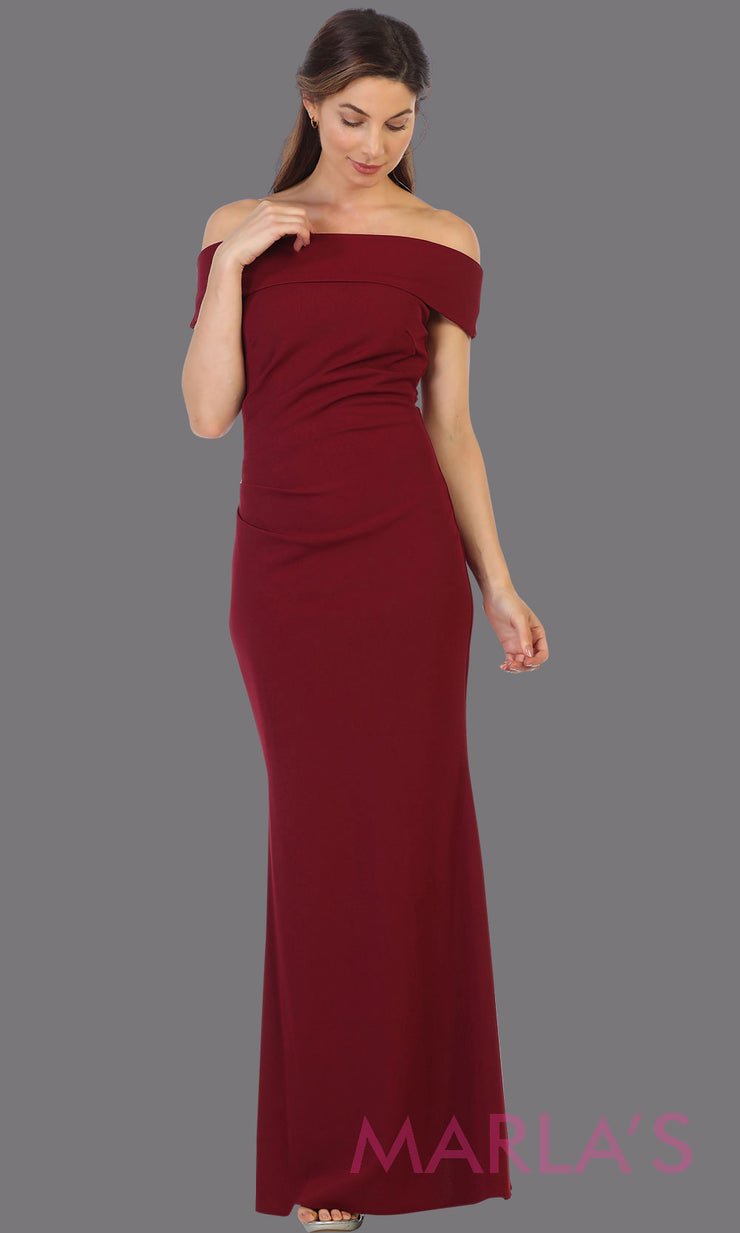 Long off shoulder burgundy red fitted evening gown.This formal dark red gown is perfect as a simple prom dress, bridesmaid dresses, indowestern party dress, mother of the bride dress, maroon evening party dress.Plus sizes available