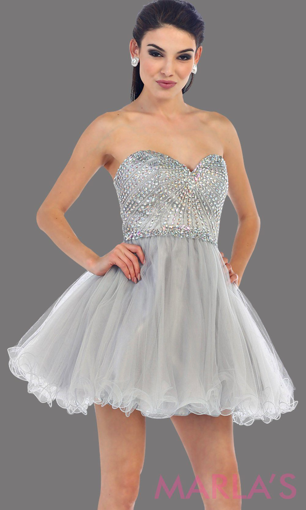 Short puffy gray strapless dress with a beaded bodice. It has a corset bodice with tone on tone beading. This is perfect for grade 8 graduation, homecoming, and silver damas. Available in plus size