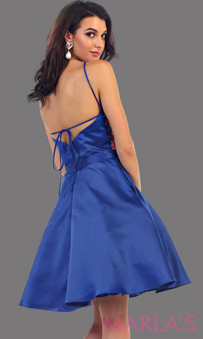 1446-Back of short high neck royal blue grade 8 graduation dress with floral embroidery. This dress features pockets. Perfect blue short prom dress, cofirmation, grad dress, or wedding guest dress, damas. Avail in plus sizes.