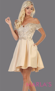 Short off shoulder champagne gold grade 8 graduation satin taffeta dress with flowy skirt from mayqueen. This light gold party dress is perfect for grade 8 grad,homecoming, Bat Mitzvah,quinceanera damas,homecoming,plus size,junior bridesmaids