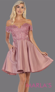 Short off shoulder mauve grade 8 graduation satin taffeta dress with flowy skirt from mayqueen. This dusty rose party dress is perfect for grade 8 grad,homecoming, Bat Mitzvah, quinceanera damas, homecoming, plus size, junior bridesmaids