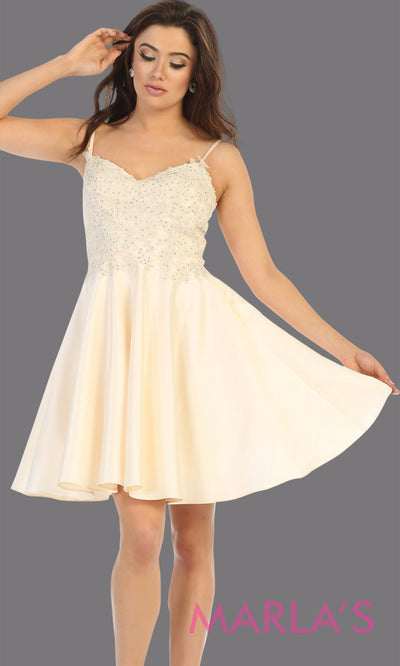 Short v neck champagne grade 8 graduation dress with flowy skirt from mayqueen.This light gold lace top dress is perfect for plus size grad, homecoming, Bat Mitzvah, quinceanera damas, middle school graduation,bridal shower,junior bridesmaids