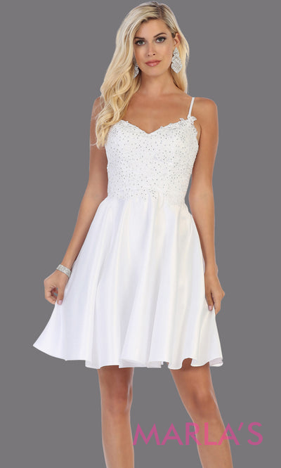 Short v neck white grade 8 graduation dress with flowy skirt from mayqueen. This white lace top dress is perfect for plus size grad, homecoming, Bat Mitzvah, quinceanera damas, middle school graduation, bridal shower, junior bridesmaids