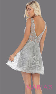 Back of Short v neck silver grade 8 graduation dress with flowy skirt from mayqueen. This light grey glittery dress is perfect for plus size grad, homecoming, Bat Mitzvah, quinceanera damas, middle school graduation, bridal shower, junior bridesmaids