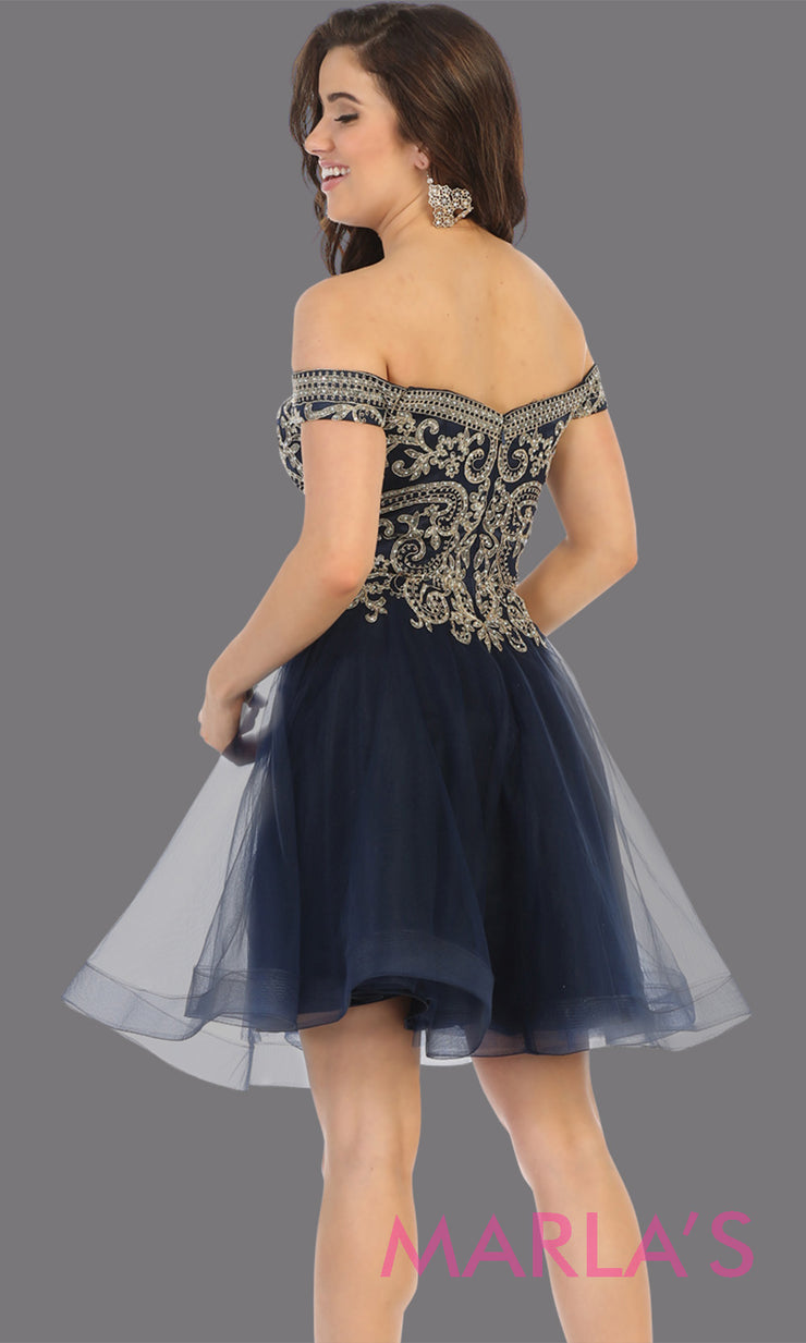 Back of Short off shoulder navy blue grade 8 graduation dress with puffy skirt from mayqueen. This dark blue flowy party dress is perfect for plus size grad, homecoming, Bat Mitzvah, quinceanera damas, middle school graduation, junior bridesmaids