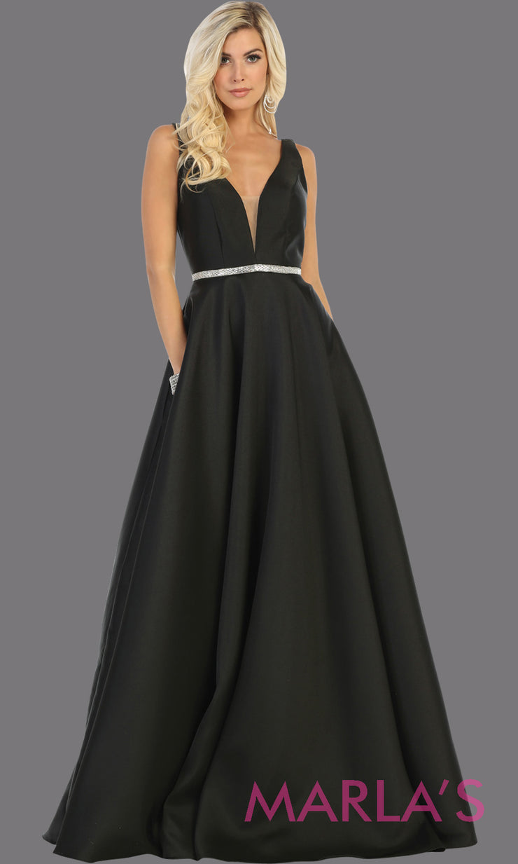 Long simple v neck black semi ballgown with pockets. This black flowy gown from mayqueen is perfect for prom, black tie event, engagement dress, formal party dress, plus size wedding guest dresses, bridesmaid, indowestern party dress