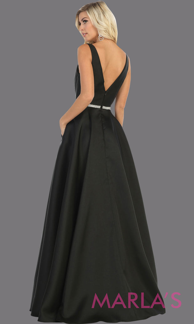Back of Long simple v neck black semi ballgown with pockets. This black flowy gown from mayqueen is perfect for prom, black tie event, engagement dress, formal party dress, plus size wedding guest dresses, bridesmaid, indowestern party dress