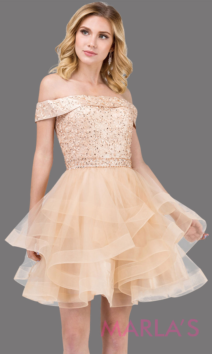 3079.4-Short off shoulder champagne gold grade 8 grad dress with lace top. This light gold graduation dress is perfect for quinceanera damas, sweet 16 birthday, sweet 15, bat mitzvah. Plus Sizes Avail.