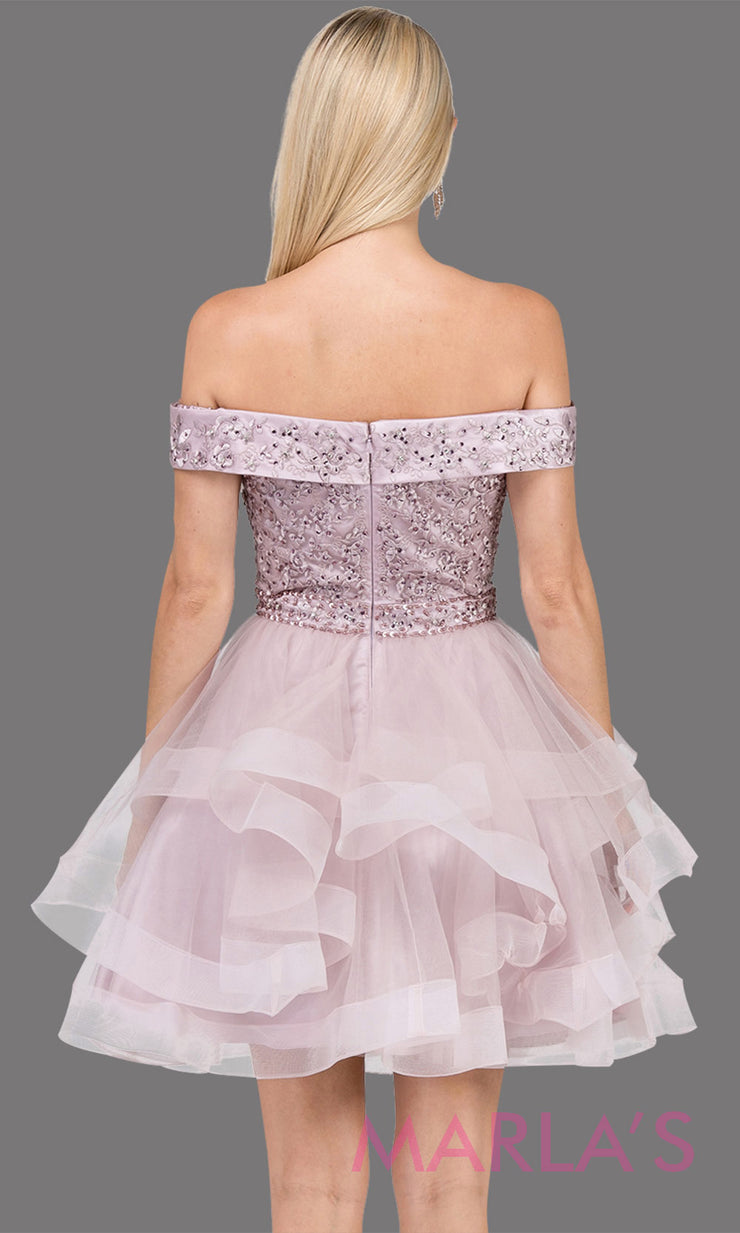 3079.4B-Short off shoulder dusty pink grade 8 grad dress with lace top. This light pink graduation dress is perfect for quinceanera damas, sweet 16 birthday, sweet 15, bat mitzvah. Plus Sizes Avail.