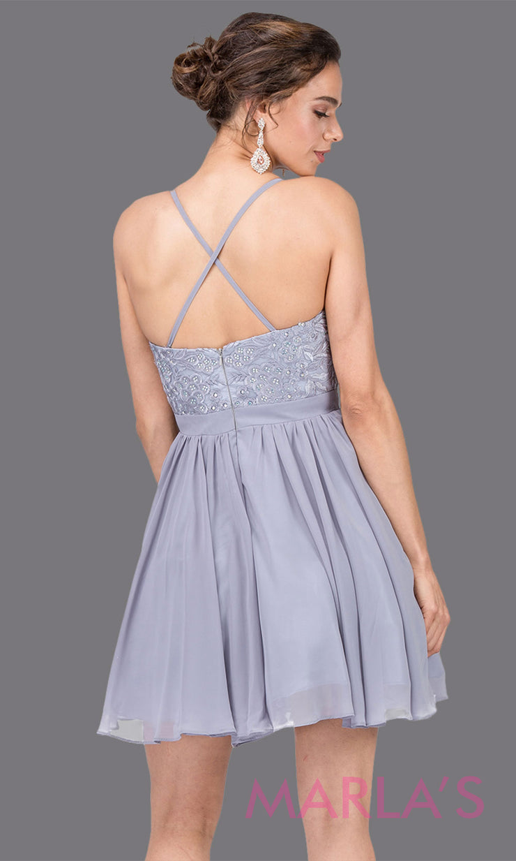 3088.4BShort silver gray flowy chiffon grade 8 grad dress with straps and lace.This v neck light grey graduation dress is great for quinceanera damas, confirmation,bat mitzvah,junior bridesmaid. Plus size Avail