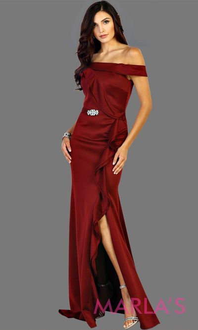 Long off shoulder burgundy lace dress with high slit and broach. This formal dark red evening gown is perfect for gala events, charity events, bridesmaid dresses, long western party dress. Plus size available.