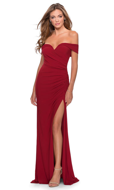 La Femme - 28389 Off Shoulder Sweetheart Neck Fitted Gown In Red