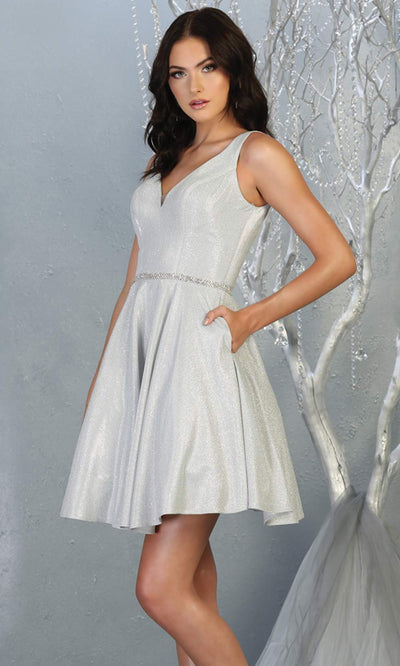 Mayqueen MQ1777 short silver metallic flowy simple grade 8 graduation dress w/ straps & belt. Light grey party dress is perfect for graduation, grade 8 grad, confirmation dress, bat mitzvah dress, damas. Plus sizes avail for grad dress.jpg