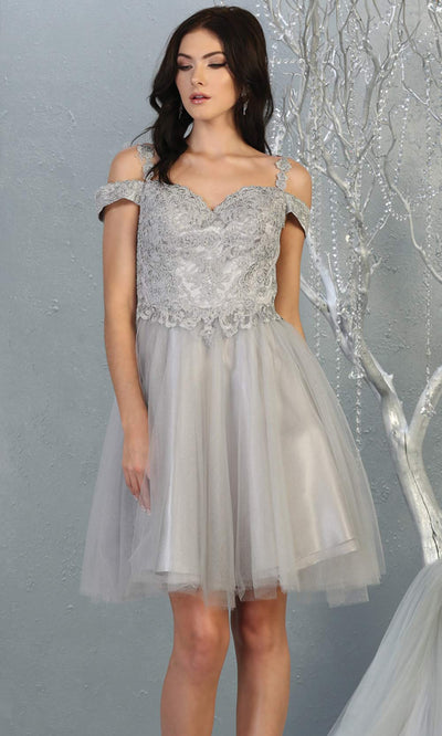 Mayqueen MQ1809 short silver gray off shoulder, flowy grade 8 graduation dress w/puffy skirt. Light grey party dress is perfect for prom, graduation, grade 8 grad, confirmation dress, bat mitzvah dress, damas. Plus sizes avail for grad dress.jpg