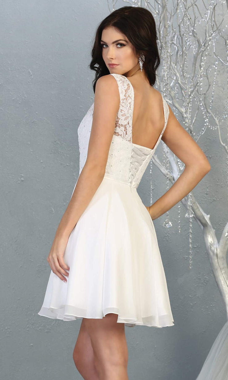 Mayqueen MQ1814 short white high neck flowy grade 8 graduation dress w/ corset & simple skirt. White party dress is perfect for prom, graduation, grade 8 grad, confirmation dress, bat mitzvah dress, damas. Plus sizes avail for grad dress-b.jpg