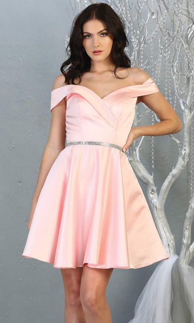 Mayqueen MQ1815 short blush pink off shoulder flowy grade 8 graduation dress w/belt & simple skirt. Light pink party dress is perfect for prom, graduation, grade 8 grad, confirmation dress, bat mitzvah dress, damas. Plus sizes avail for grad dress.jpg