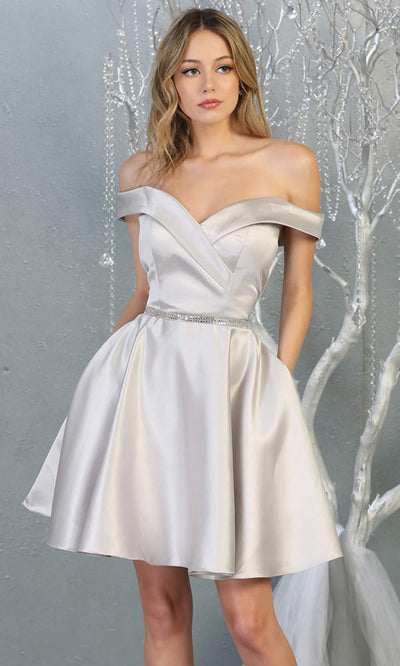 Mayqueen MQ1815 short silver off shoulder flowy grade 8 graduation dress w/belt & simple skirt. Light grey party dress is perfect for prom, graduation, grade 8 grad, confirmation dress, bat mitzvah dress, damas. Plus sizes avail for grad dress.jpg