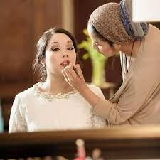 5 Reasons to hire a Makeup Artist for Your Wedding