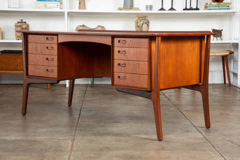 Executive Desk by Svend Åge Madsen for H.P. Hansen