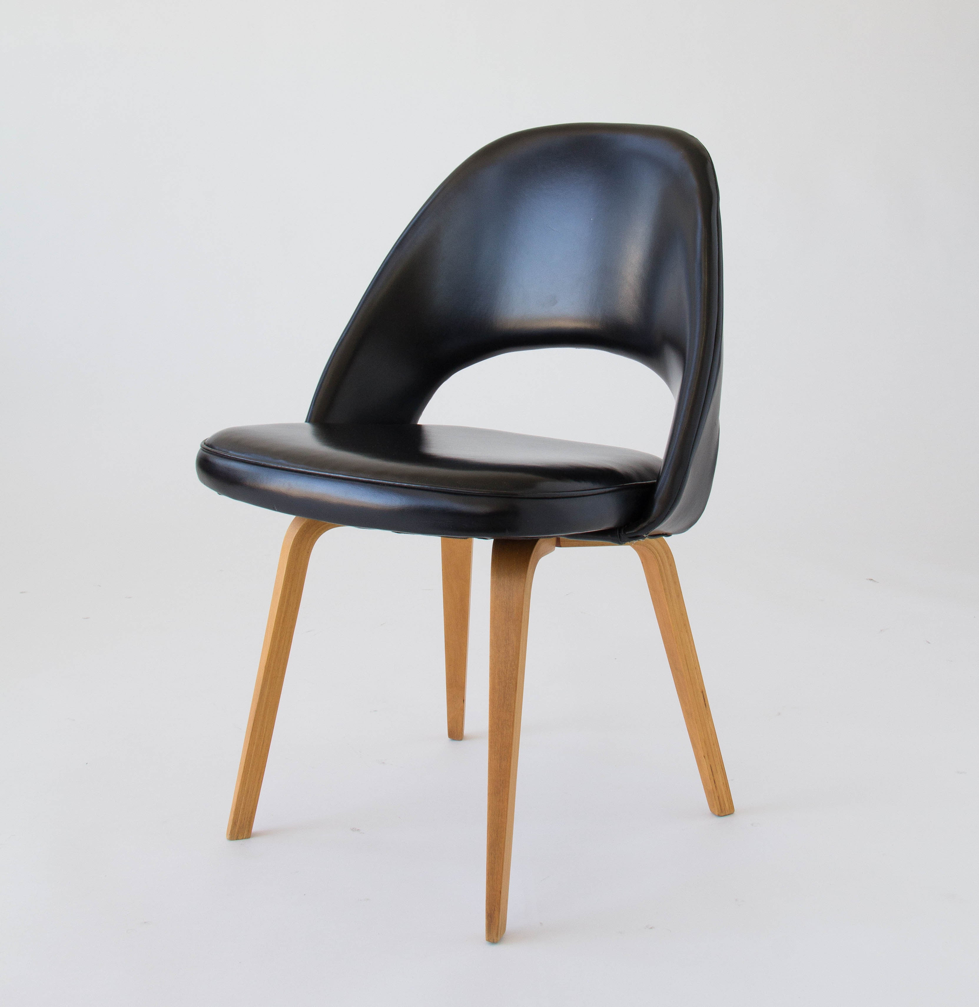 Eero Saarinen Executive or Dining Chair for Knoll – Den Møbler