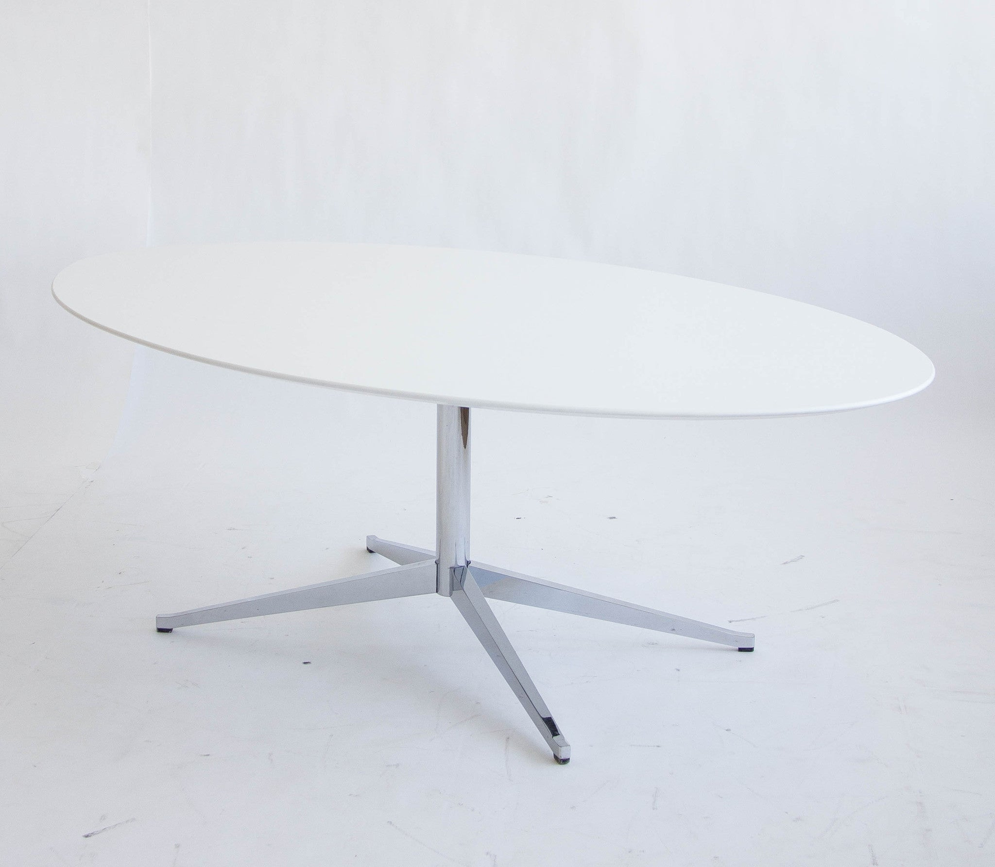 White Laminate Oval Desk Table By Florence Knoll