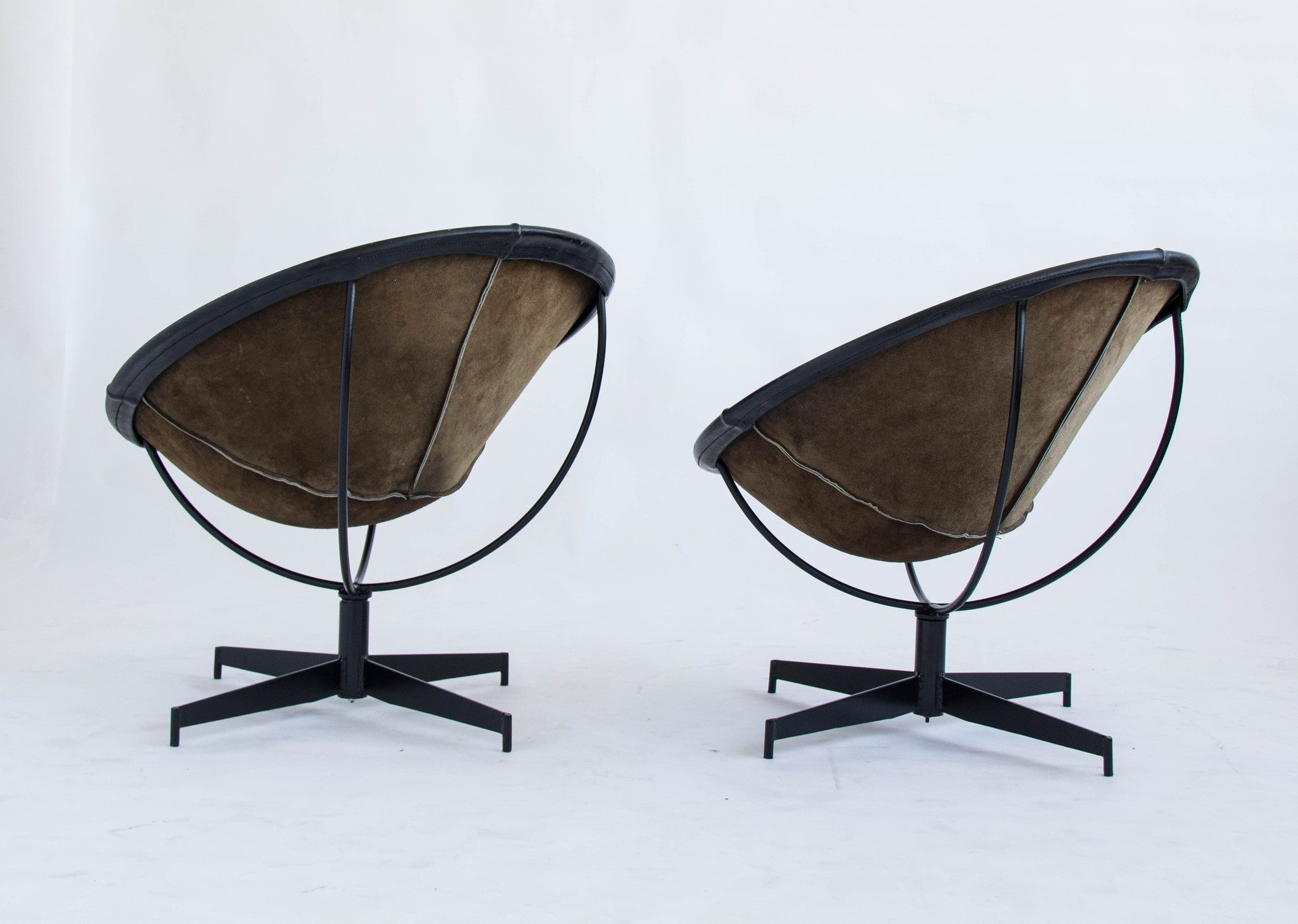 Antique bucket chair - Pair Of William Katavolos Bucket Chairs For Leathercrafter