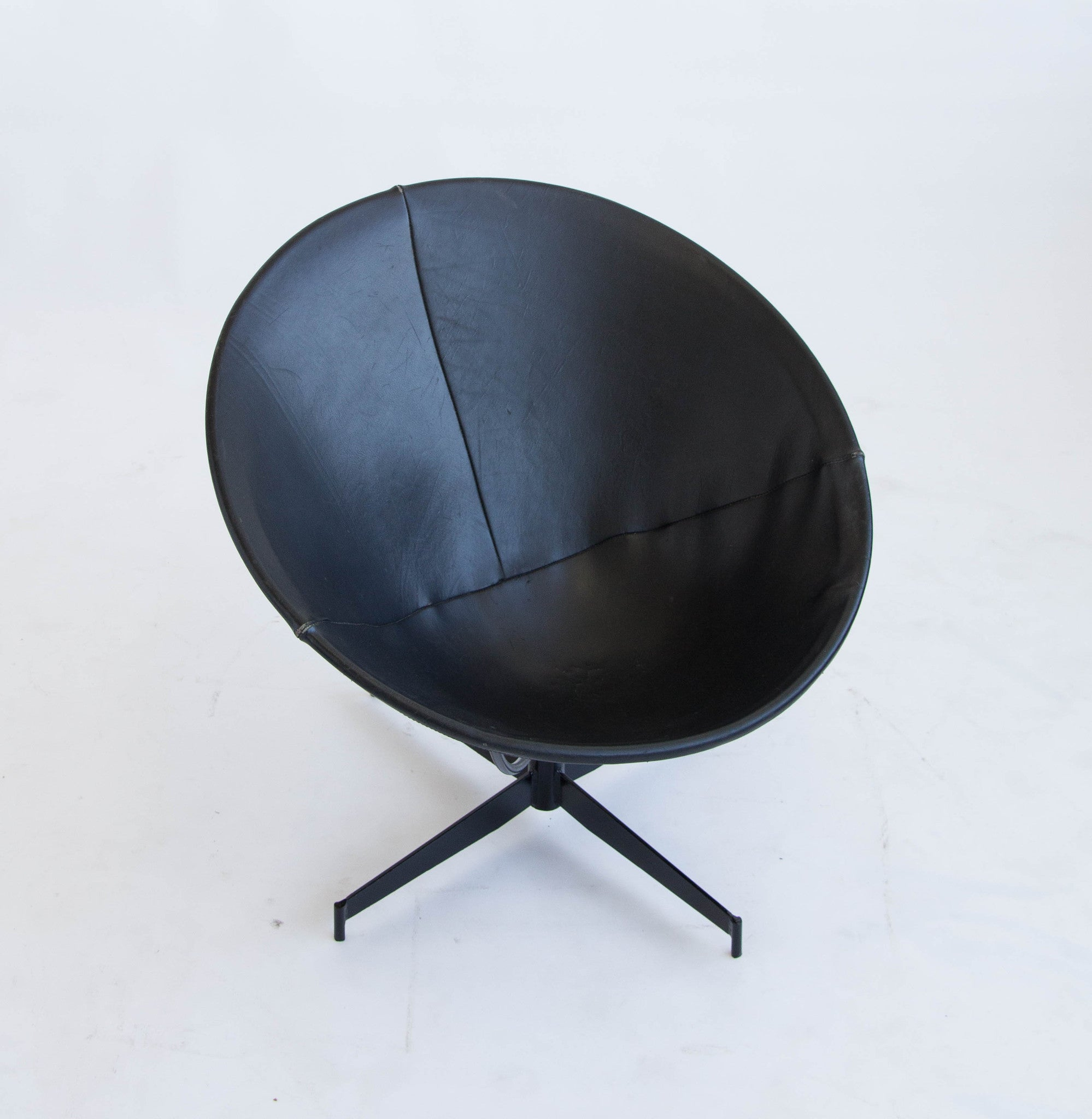 Pair of William Katavolos Bucket Chairs for Leathercrafter – Den