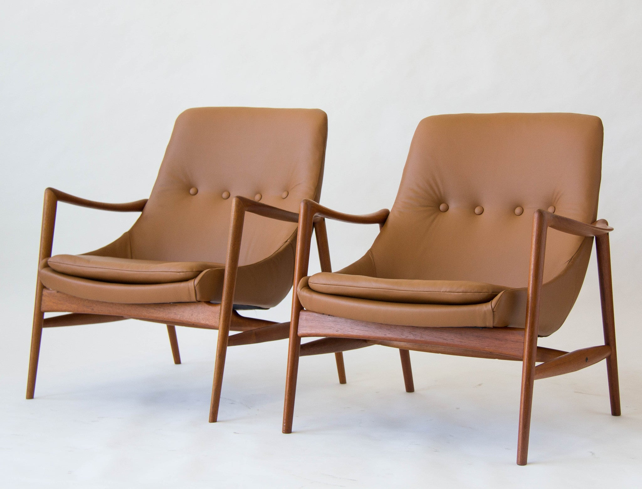 Pair Of Norwegian Leather Lounge Chairs By Rastad U0026 Relling