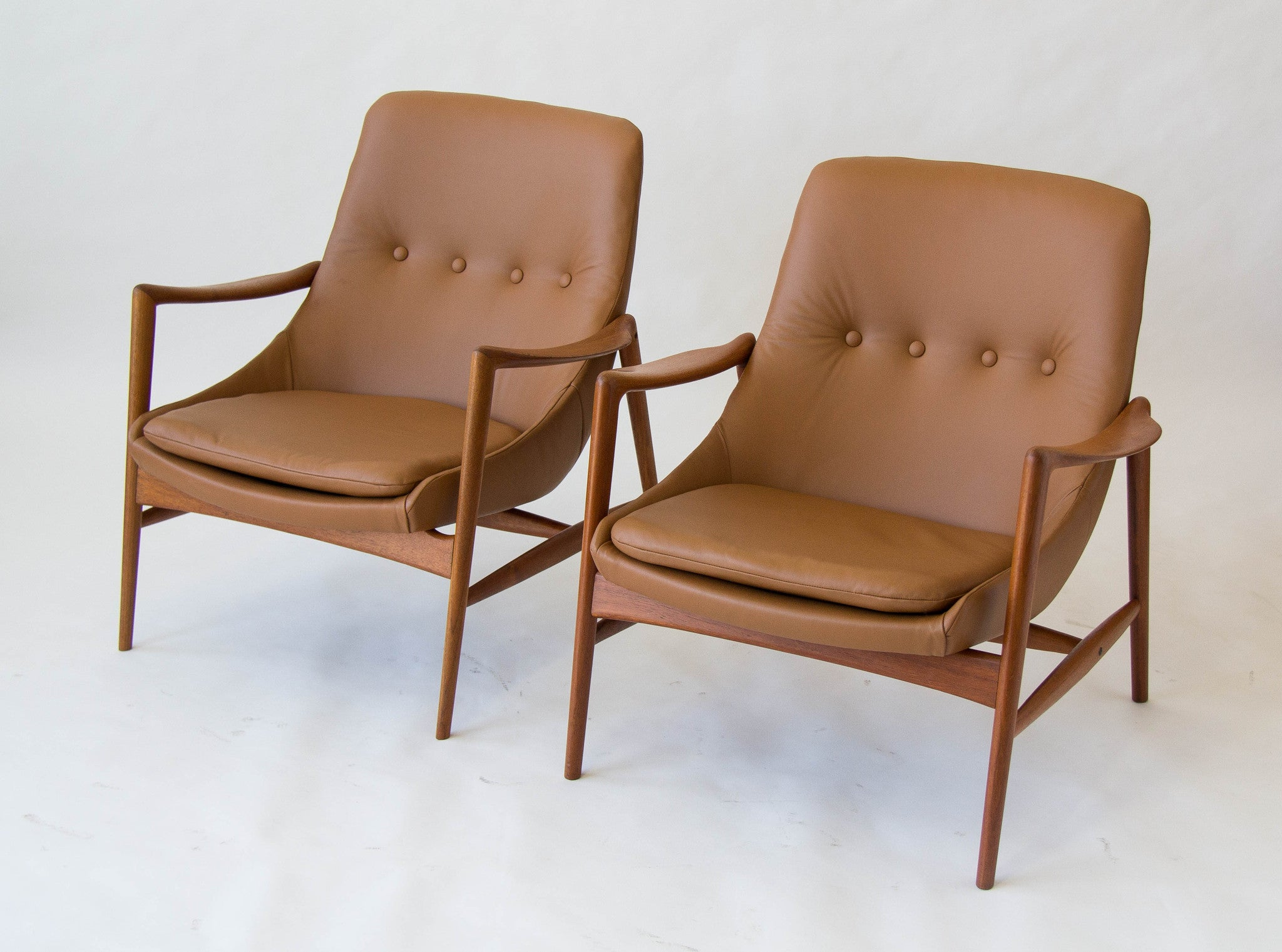 pair of norwegian leather lounge chairs by rastad relling den
