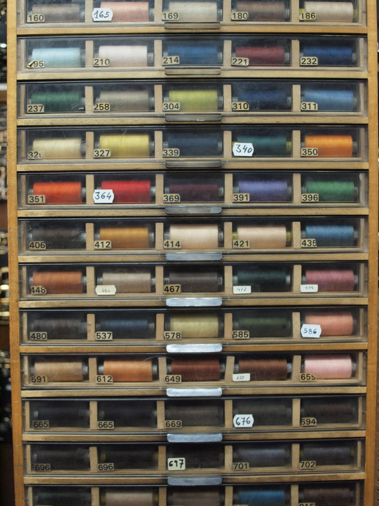 Linen thread in Madrid leather-working shop