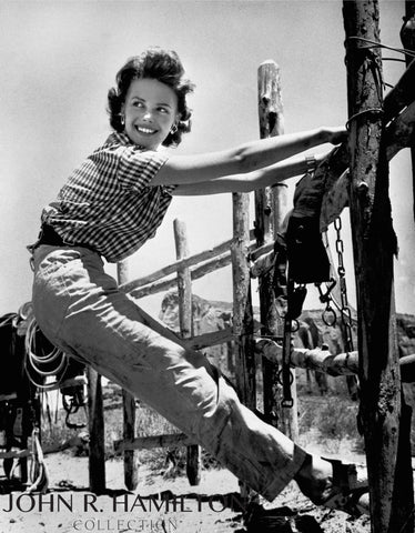 "Natalie Wood  (17 years old) on set during the filming of ""The Searchers"" in Monument Valley, AZ/UT [1955]"