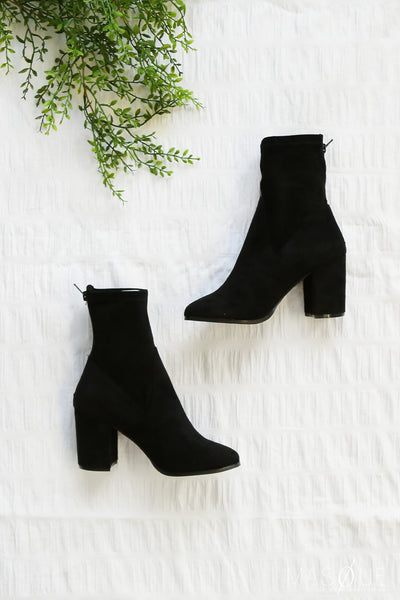 hoxton boots in black by therapy