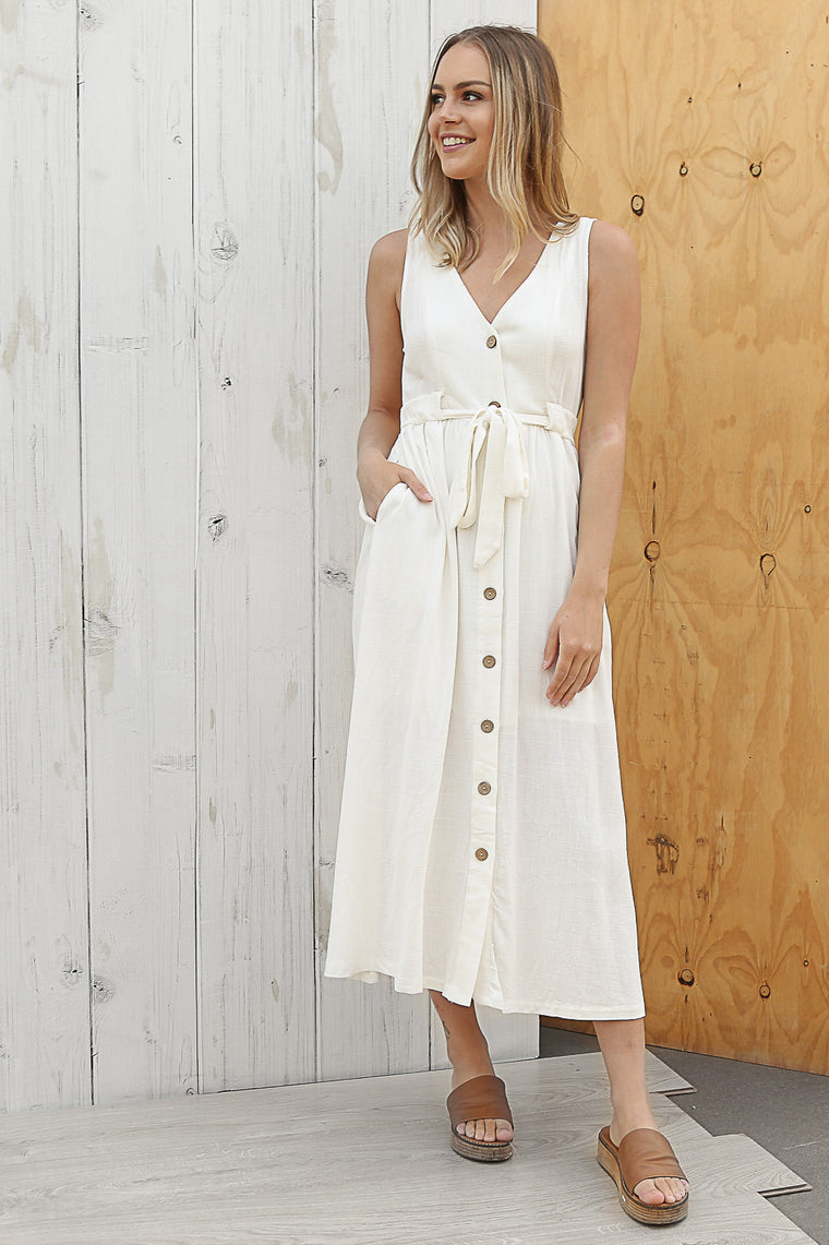 day-oh linen maxi in white