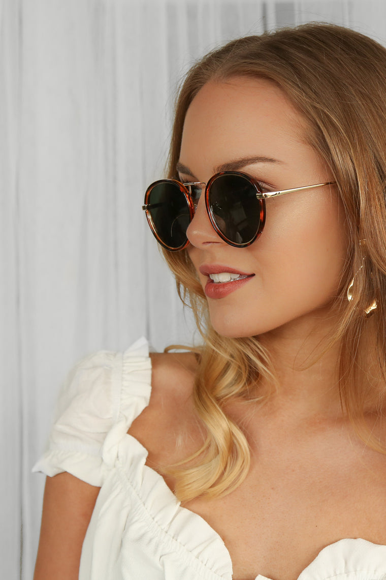 khloe sunnies in tort