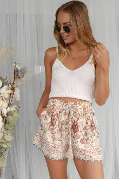 demi shorts in vintage floral