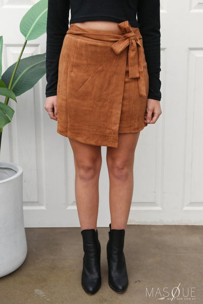 camellia suede skirt in tan