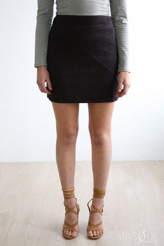 agrarian suede skirt in black