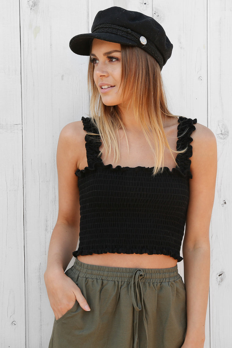 mia crop in black