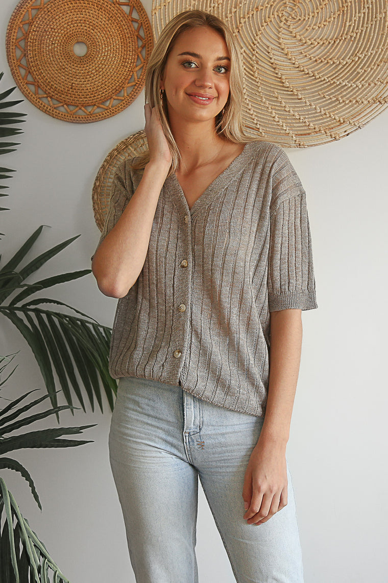 delilah button down top
