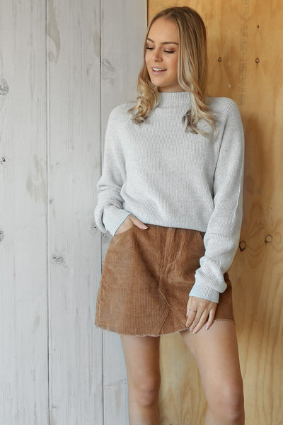 sender knit in grey